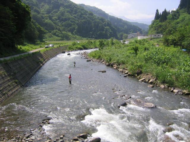能生川が素敵なあなたをお待ちしています。 ・・・戻る・・・  能生川岩魚